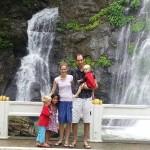 Bij de waterval